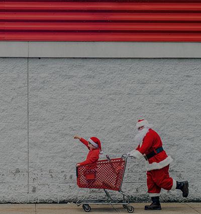 Коледна шопинг истерия